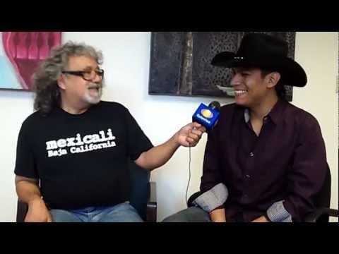 """Entrevista de """"Los Reyes de la Fiesta"""" (Televisa Mexicali) al cantautor Elias Medina"""
